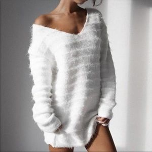 Sweaters - NEW.. Gorgeous white sweater very light weight